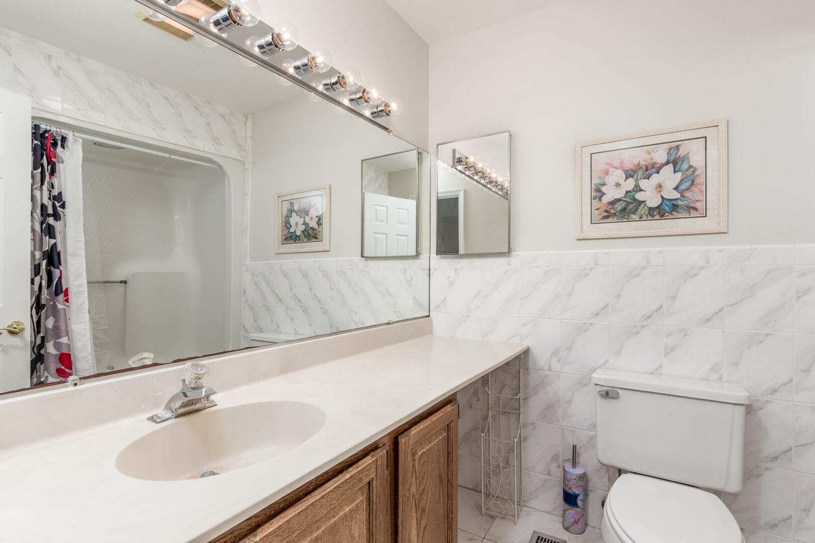 Master Bathroom of Sunset Harbour 14127B