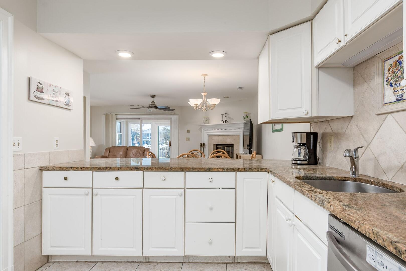 Kitchen of Sunset Harbour 14127B