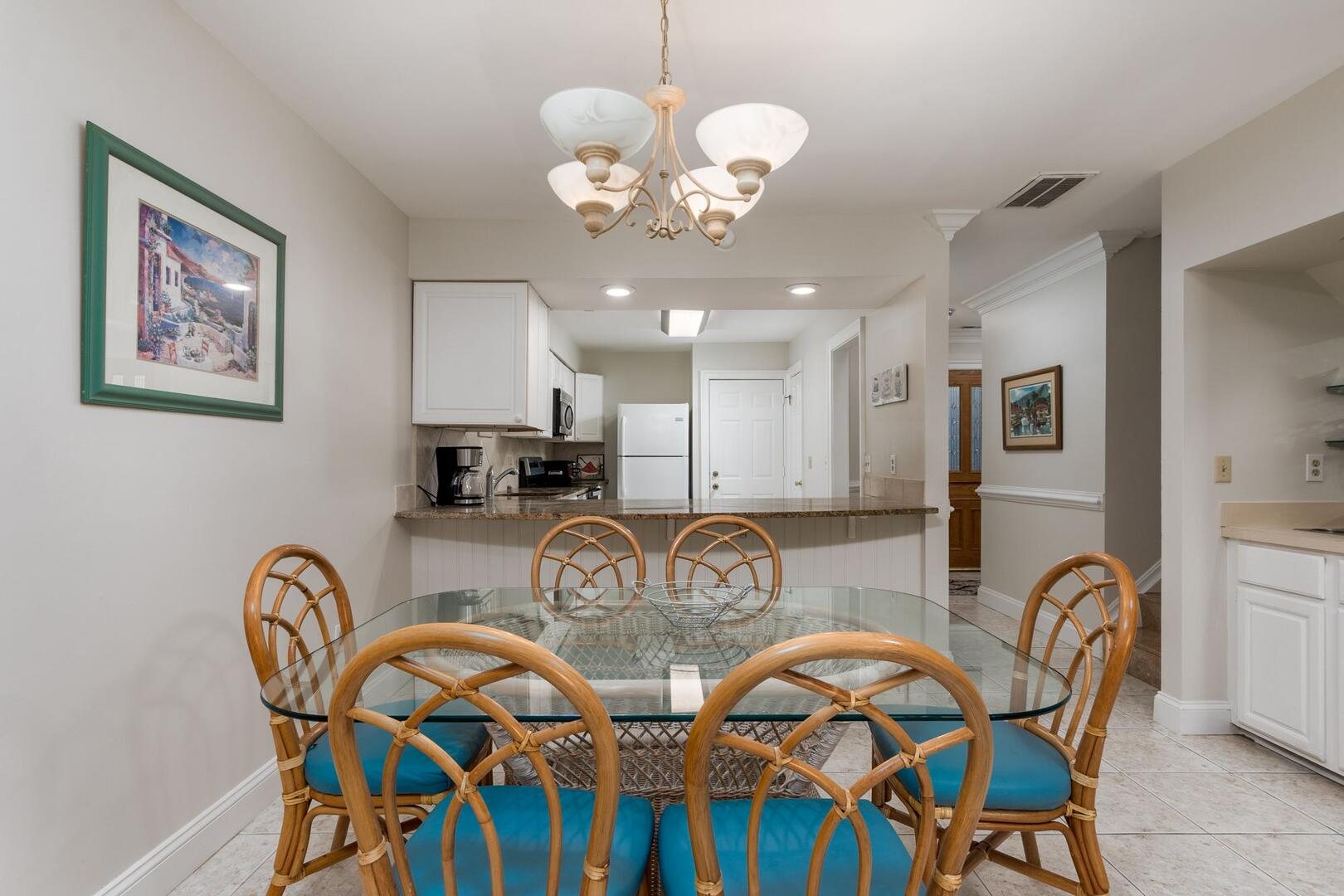 Dining Area of Sunset Harbour 14127B