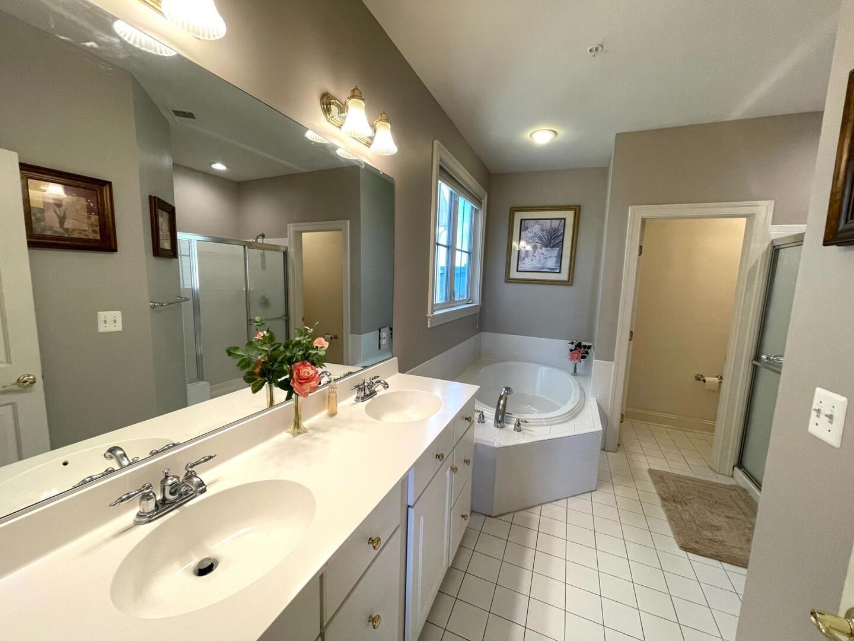 Master Bathroom - Sunset Island 55 Island Edge Dr.