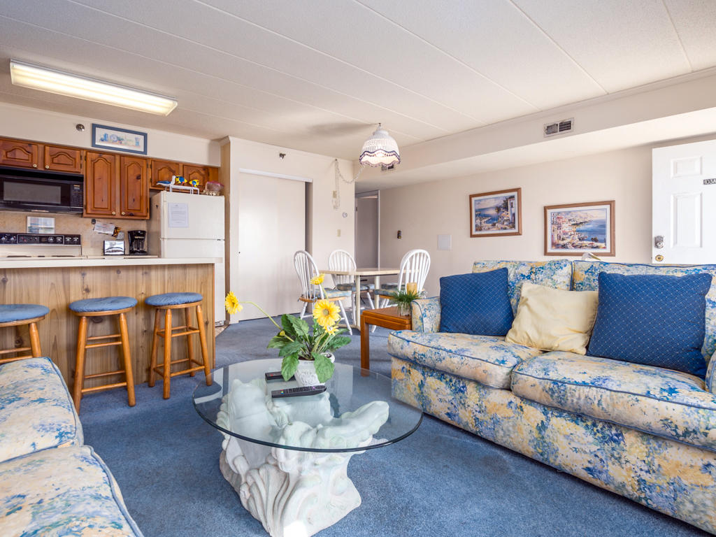 White Marlin 103A - Living Room