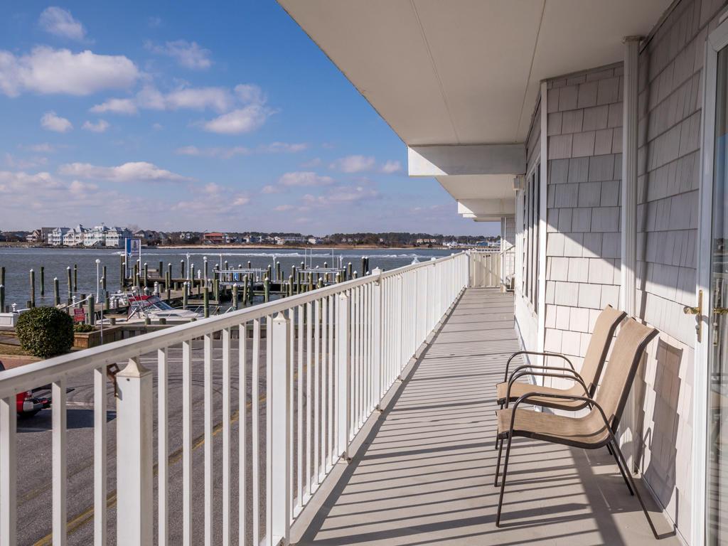 White Marlin 103A - Balcony