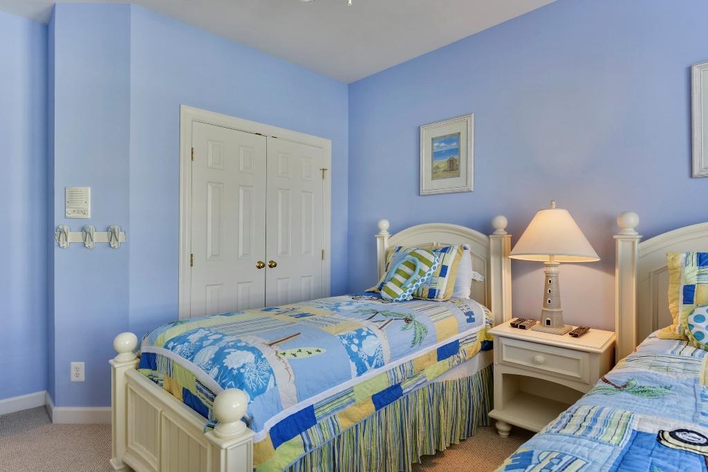 Sunset Island, 1 Beach Walk Mews - Fourth Bedroom