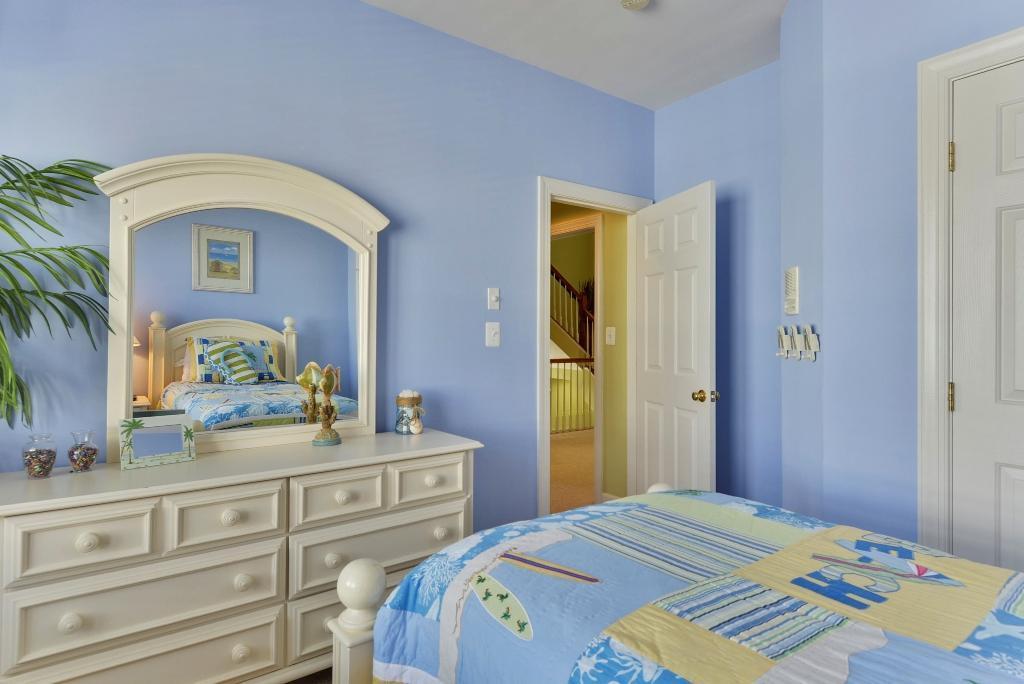 Suunset Island, 1 Beach Walk Mews - Fourth Bedroom