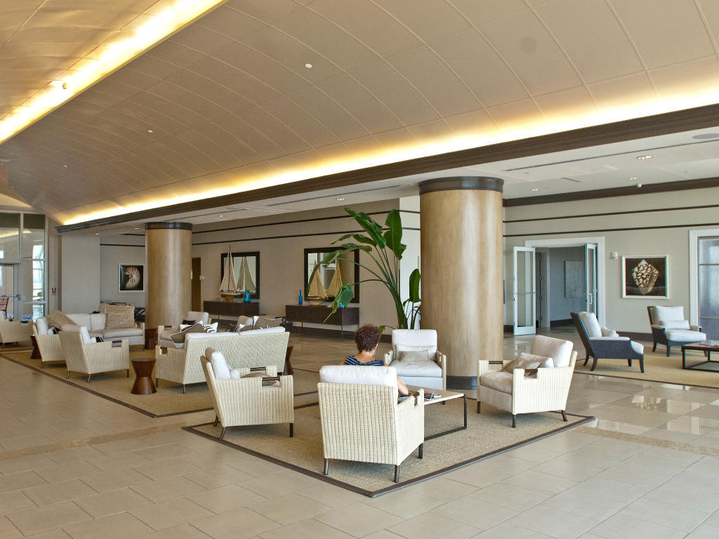 Gateway Grand - Lobby