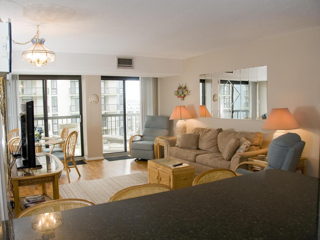 Braemar Towers, 404 - Living Room Area