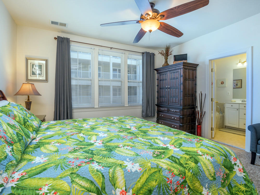Sunset Island, 39 Canal Side Mews - Master Bedroom