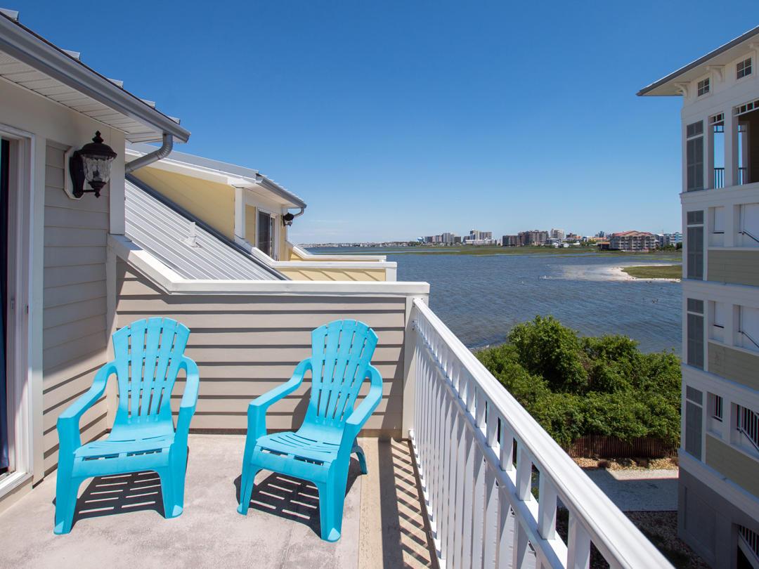 Sunset Island, 39 Canal Side Mews - Top Floor Balcony