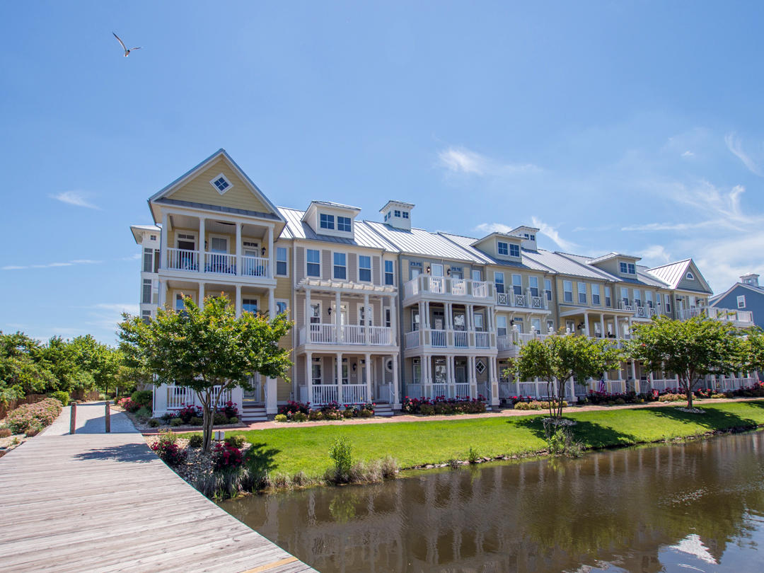 Sunset Island, 39 Canal Side Mews - Exterior
