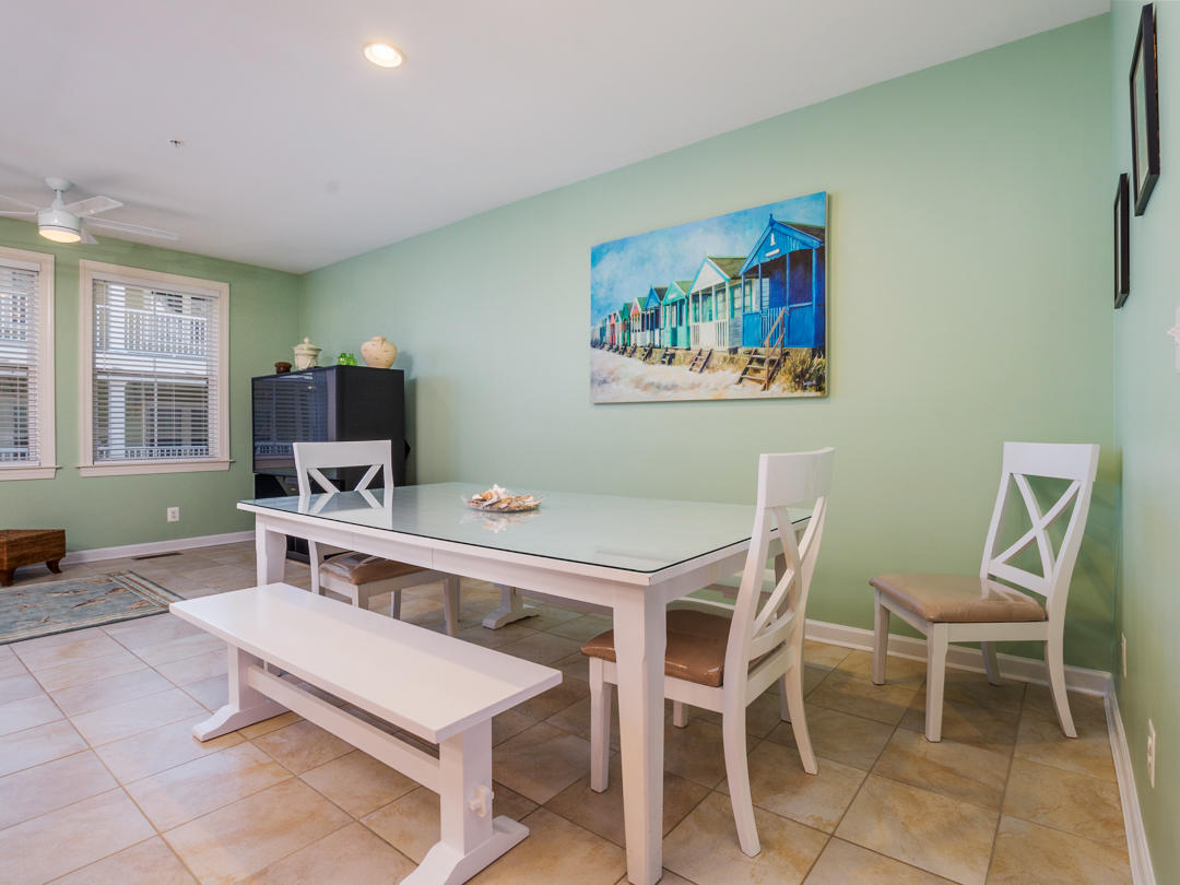 Sunset Island, 39 Canal Side Mews - Dining Area