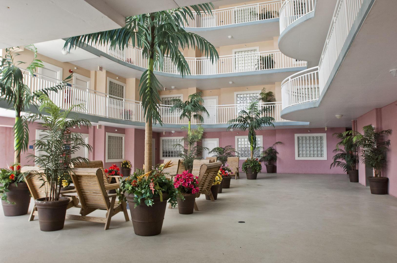 Sunset Beach - Lounge Area