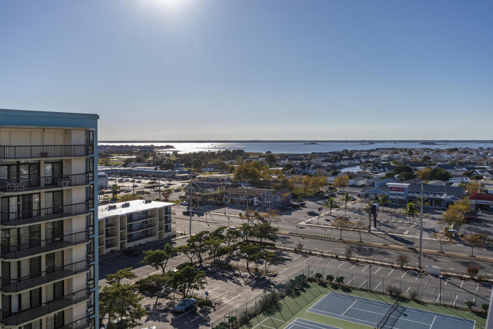 Braemar Towers 1006 - Partial Bay Views