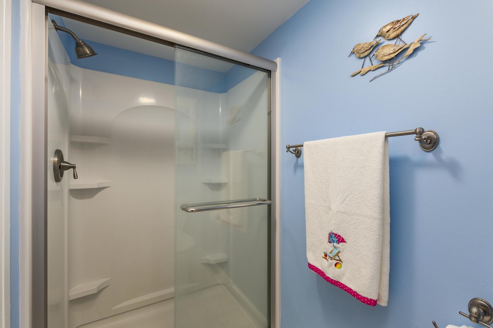 Braemar Towers 1006 - Master Bathroom