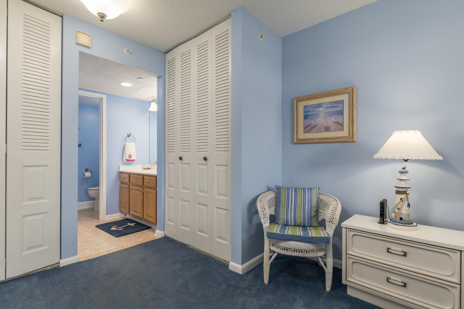 Braemar Towers 1006 - Master Bedroom and Bathroom