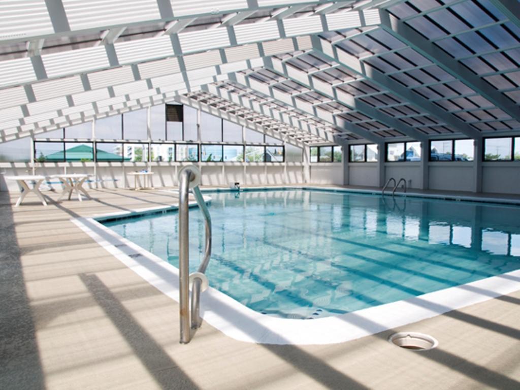 Century, I 1630 - Indoor Pool Area