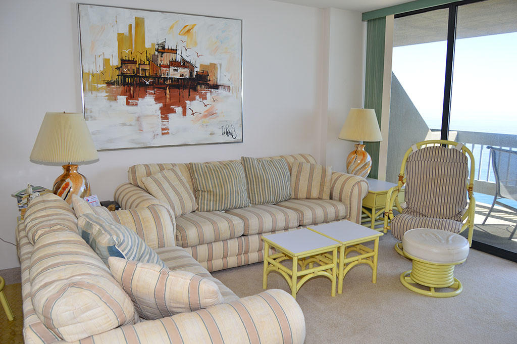 Century I 1603 - Living Room