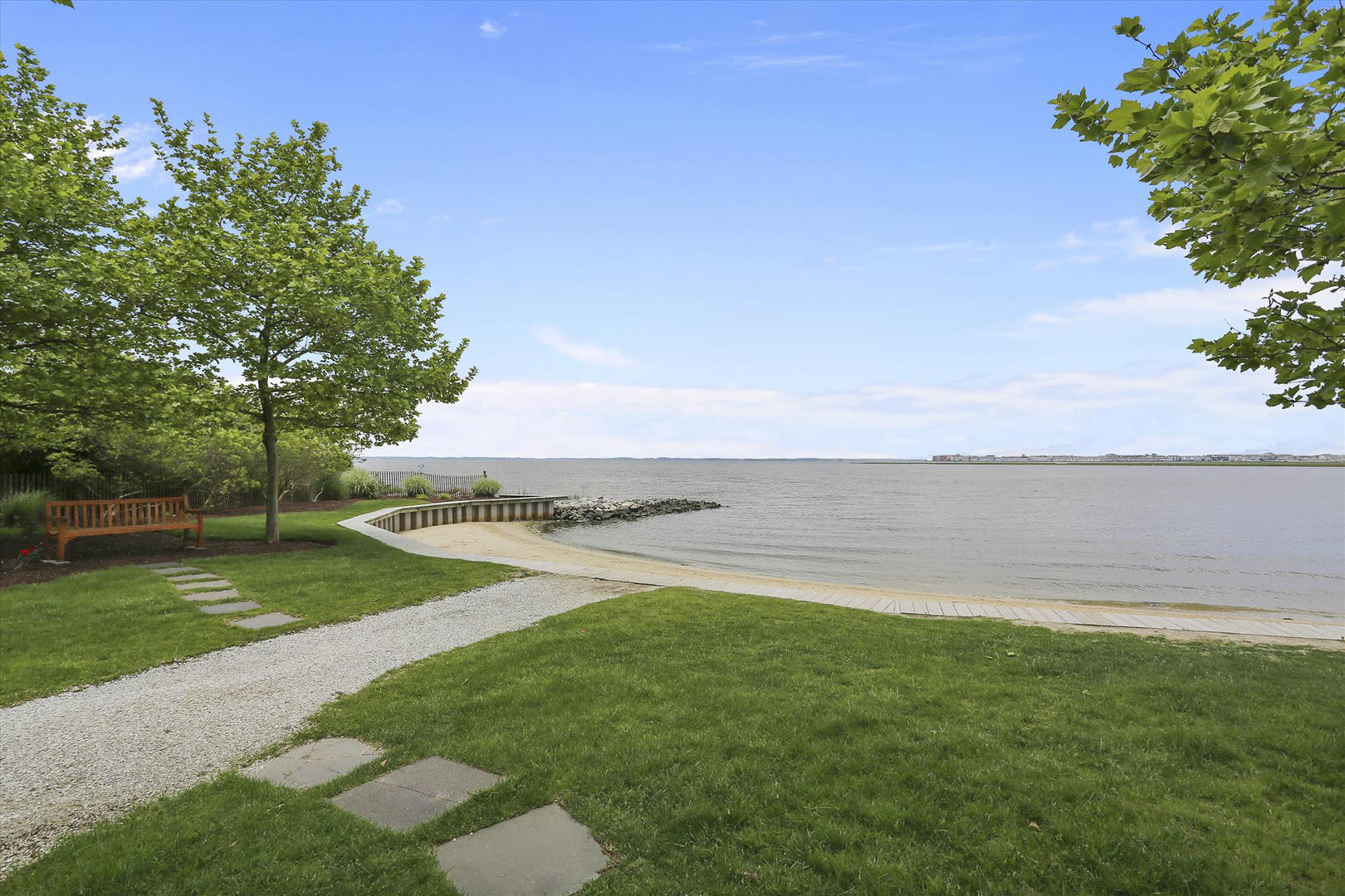 Sunset Island Bayfront Area