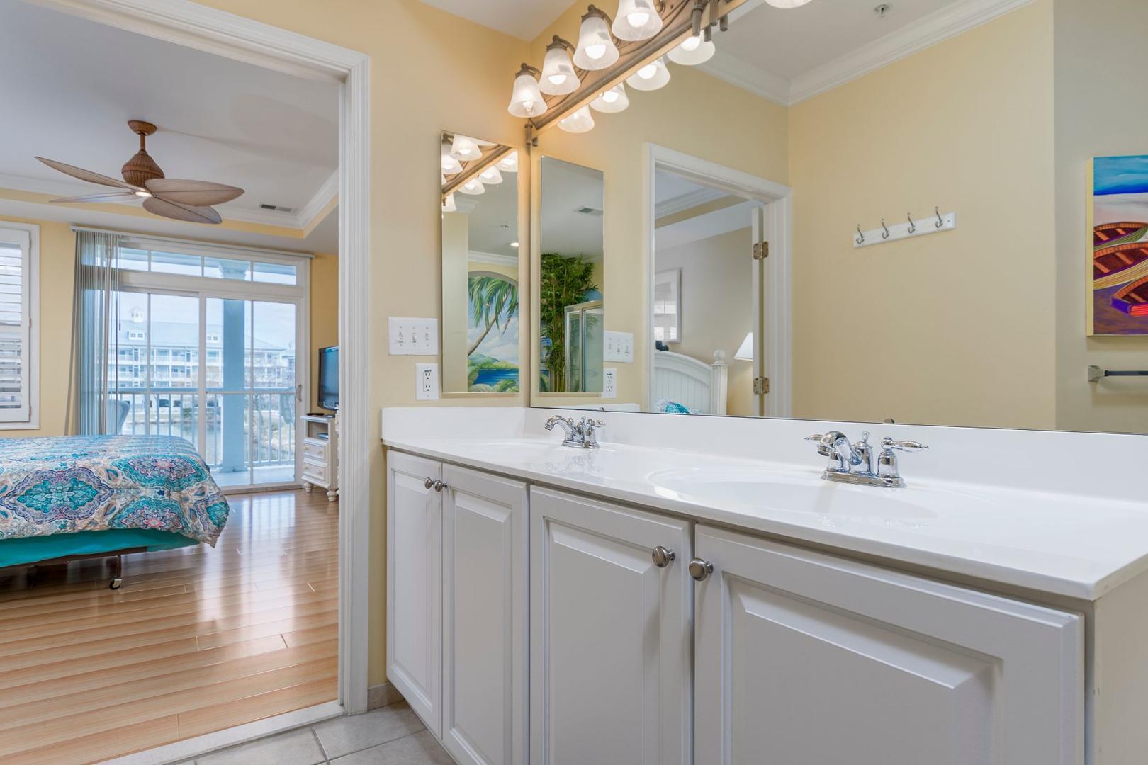 Sunset Island 1 FDE 2D - Master Bathroom