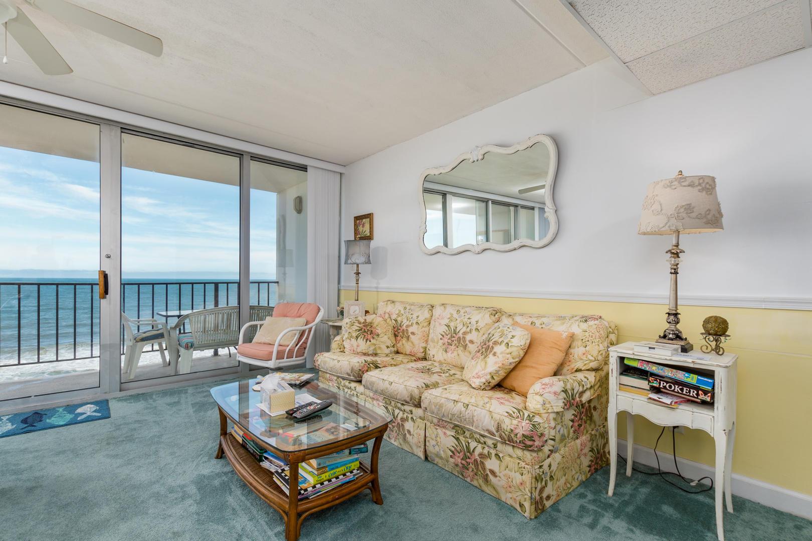 Sea Gate 810 - Living Room