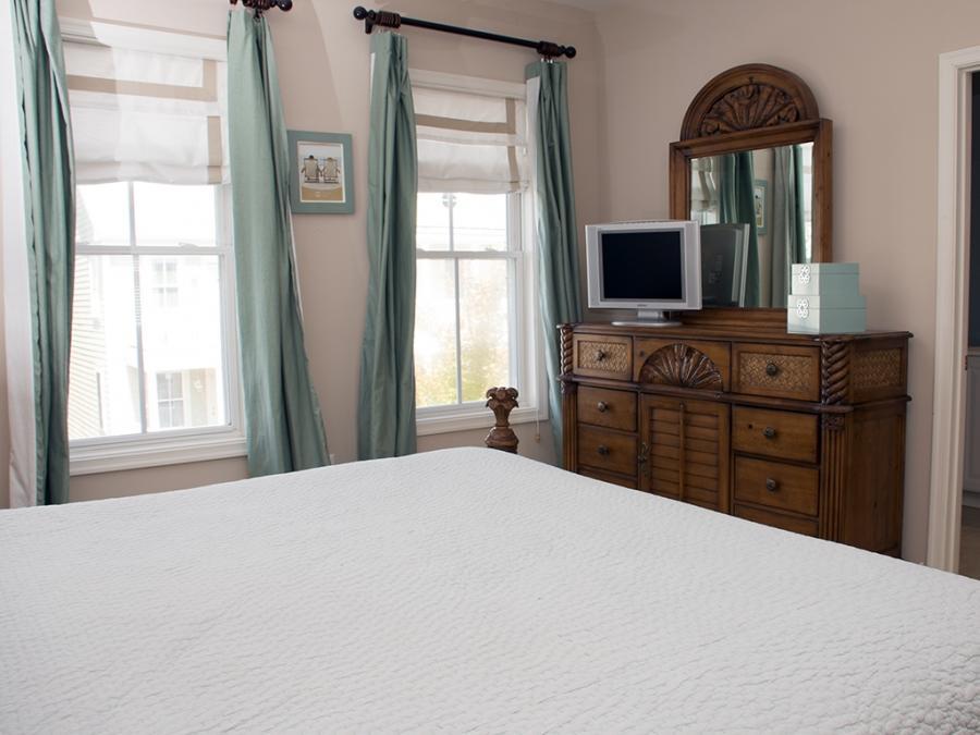 Sunset Island, 17 Beach Walk Lane - Master Bedroom