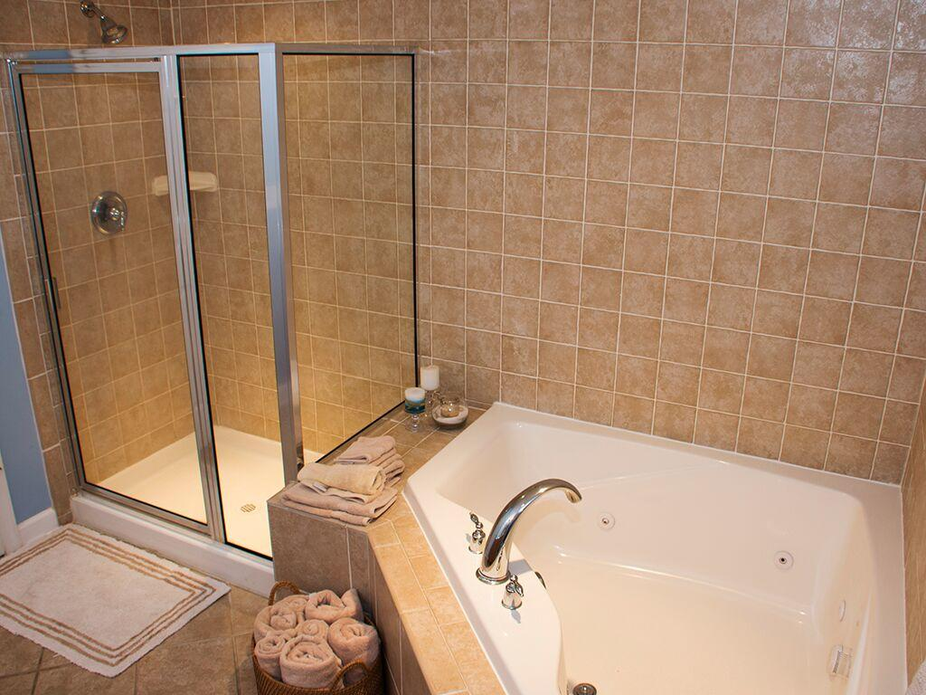 Bahia Vista, I 103 - Master Bathroom