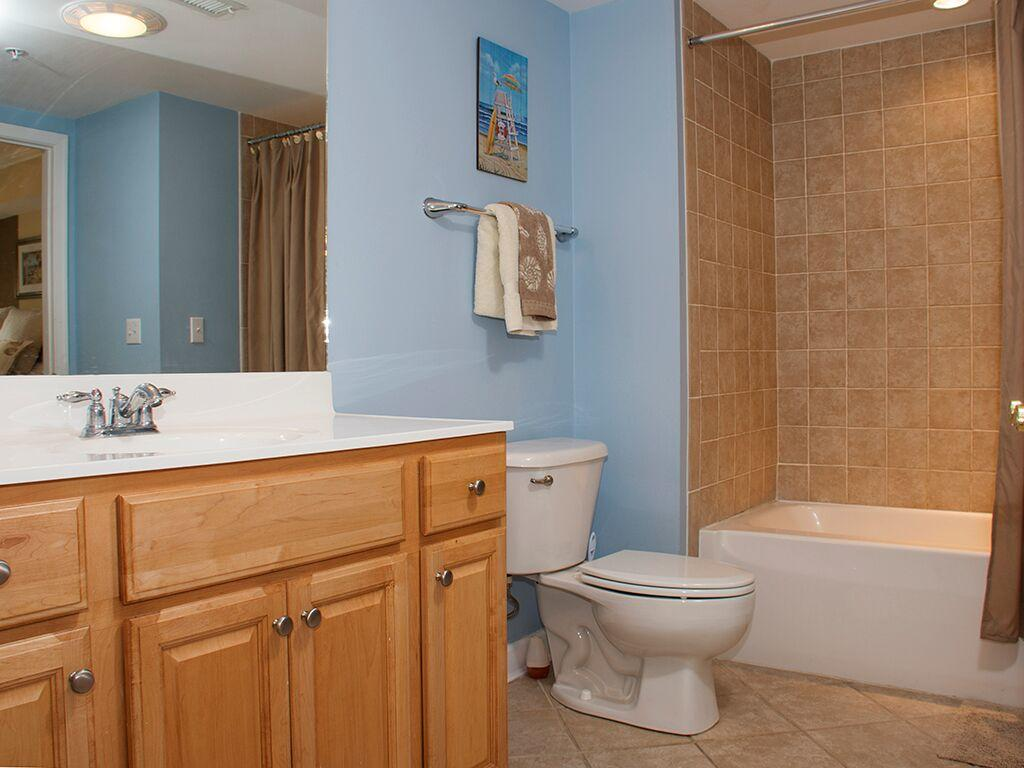 Bahia Vista, I 103 - Second Bathroom