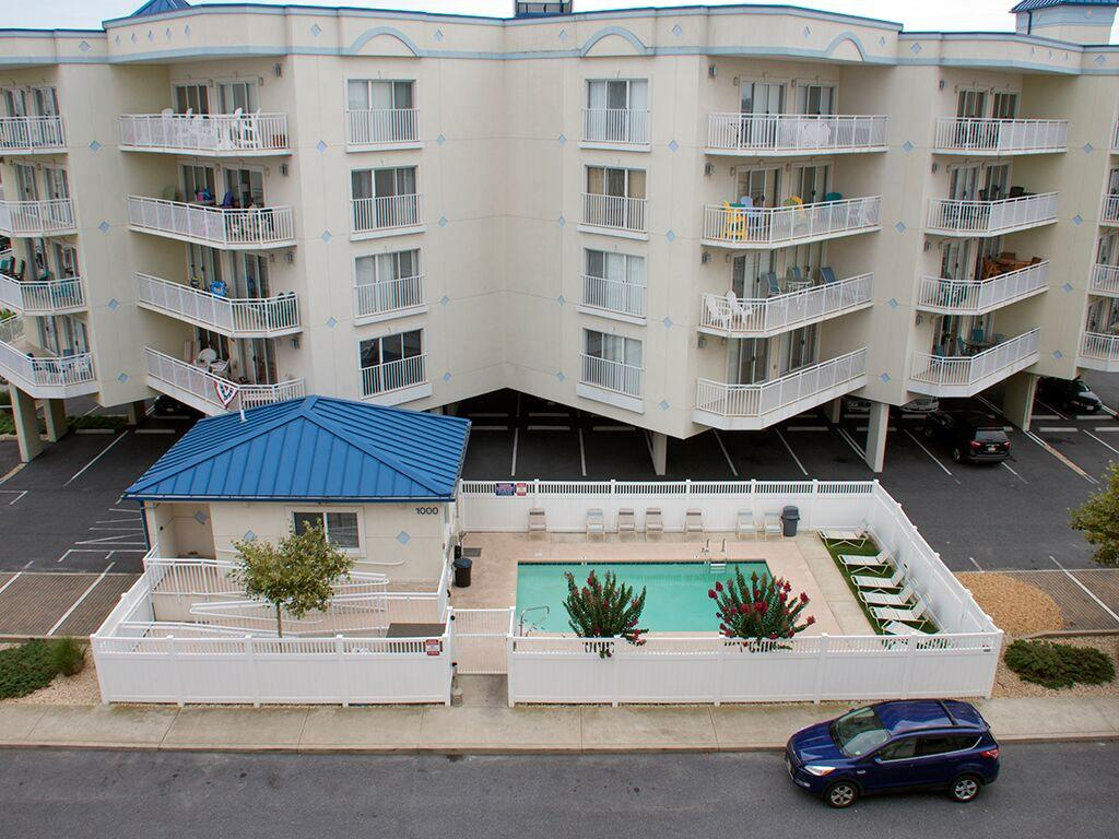 Bahia Vista, I 103 - Outdoor pool
