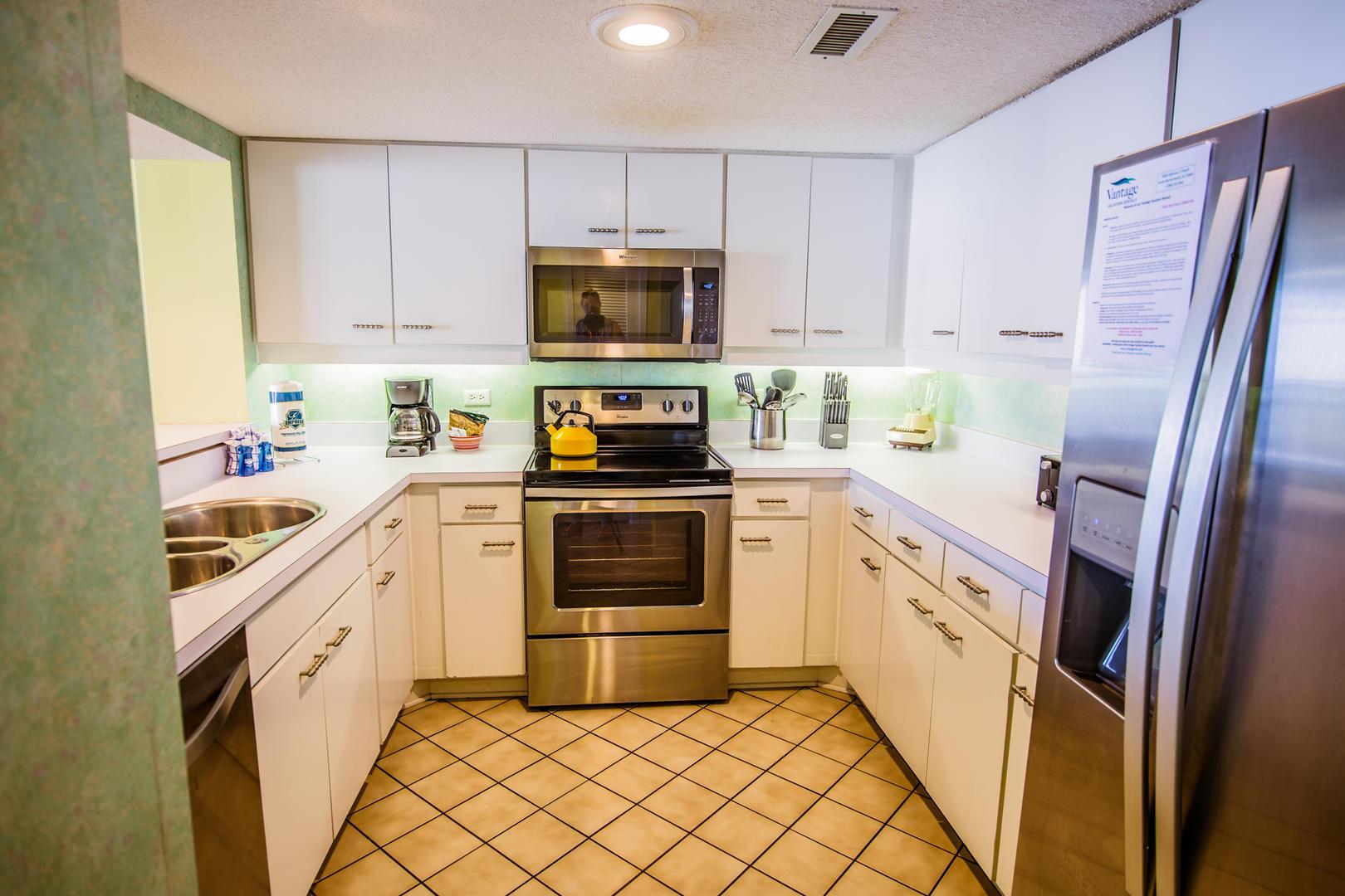 Ocean Creek EE13 - Kitchen