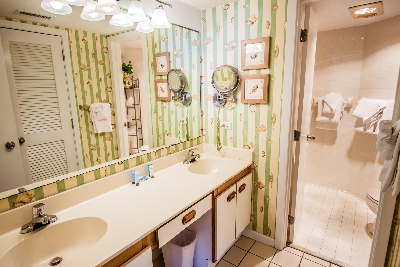 Ocean Creek EE13 - Master Bathroom