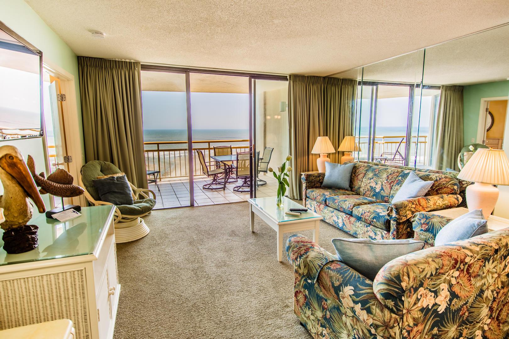 Ocean Creek KK11 - Living Room