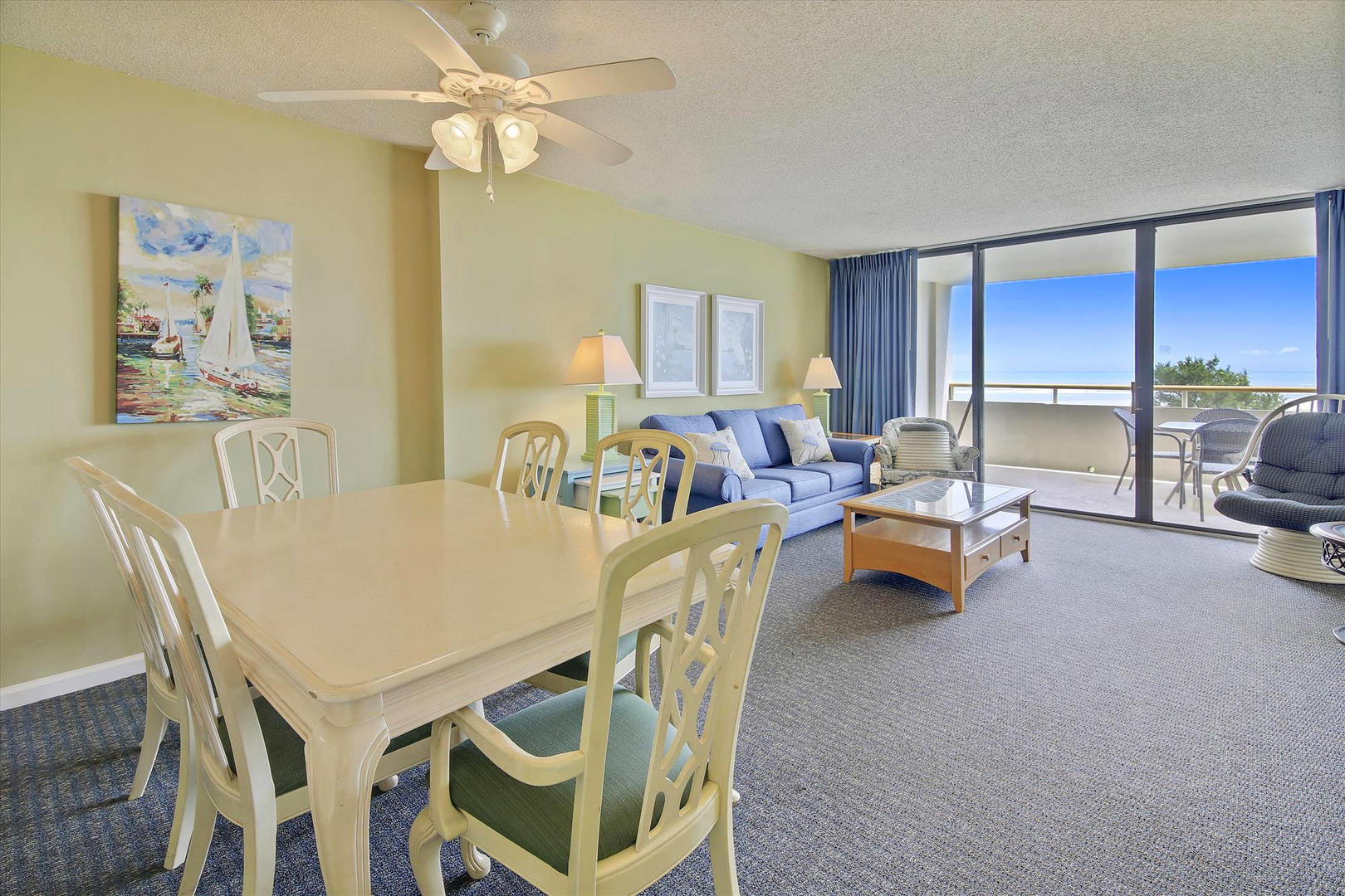Ocean Creek LL1 - Living Room and Dining Area