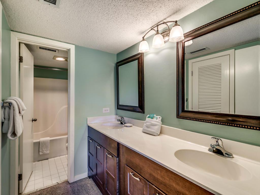 Ocean Creek MM1 - Master Bathroom