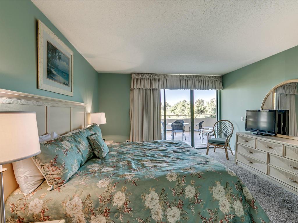 Ocean Creek MM1 - Master Bedroom