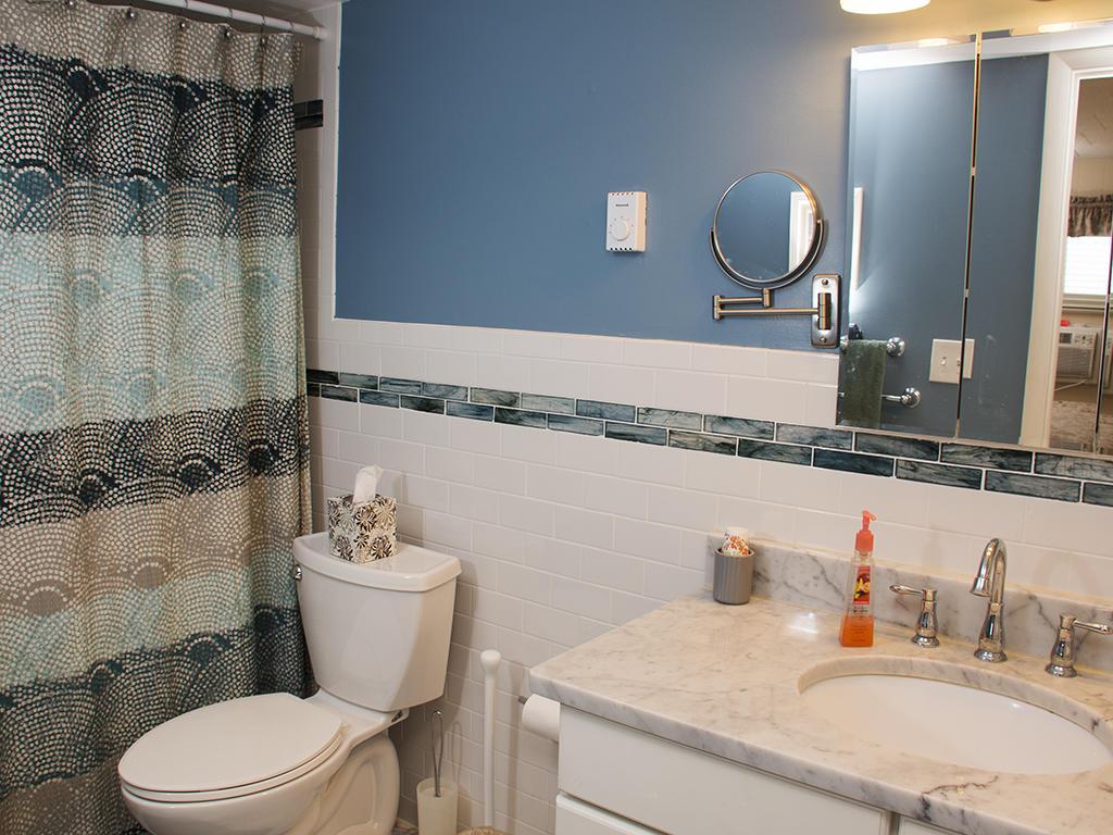 Calypso, 702 - Master Bathroom