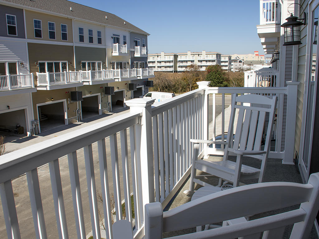 Broad Marsh, 110E - Balcony Area