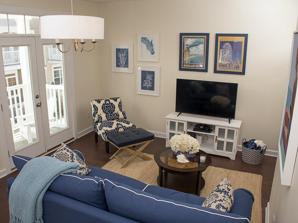 Broad Marsh, 110E - Living Room Area
