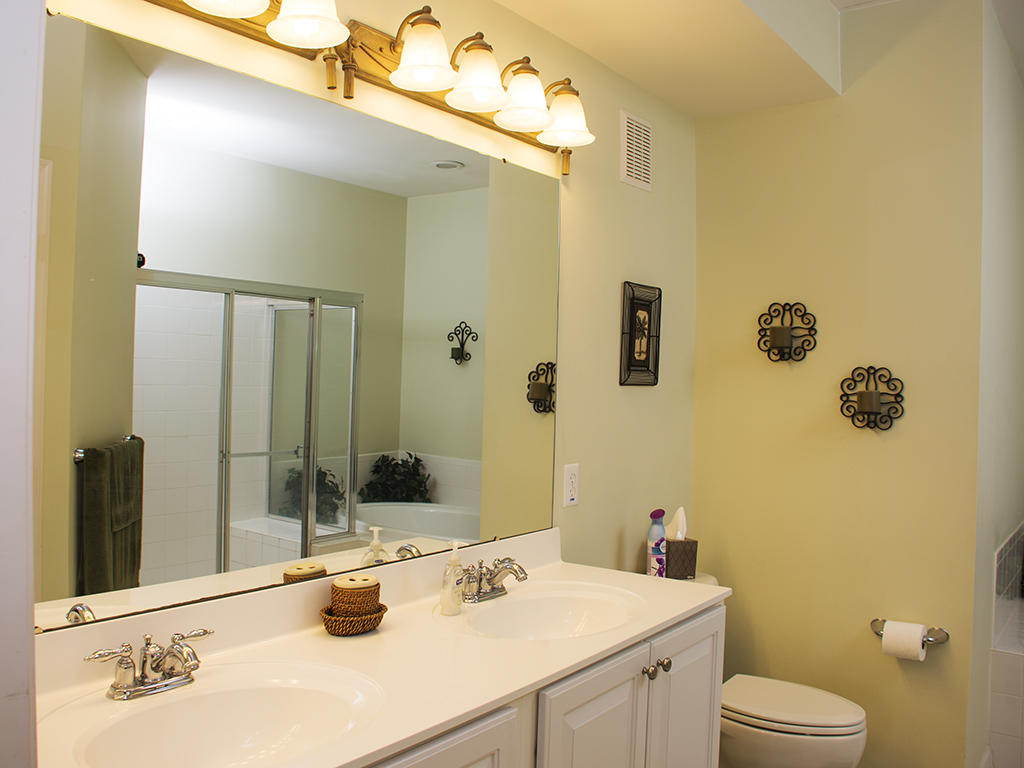 Sunset Island, 37 Fountain Drive West, 5C - Master Bathroom