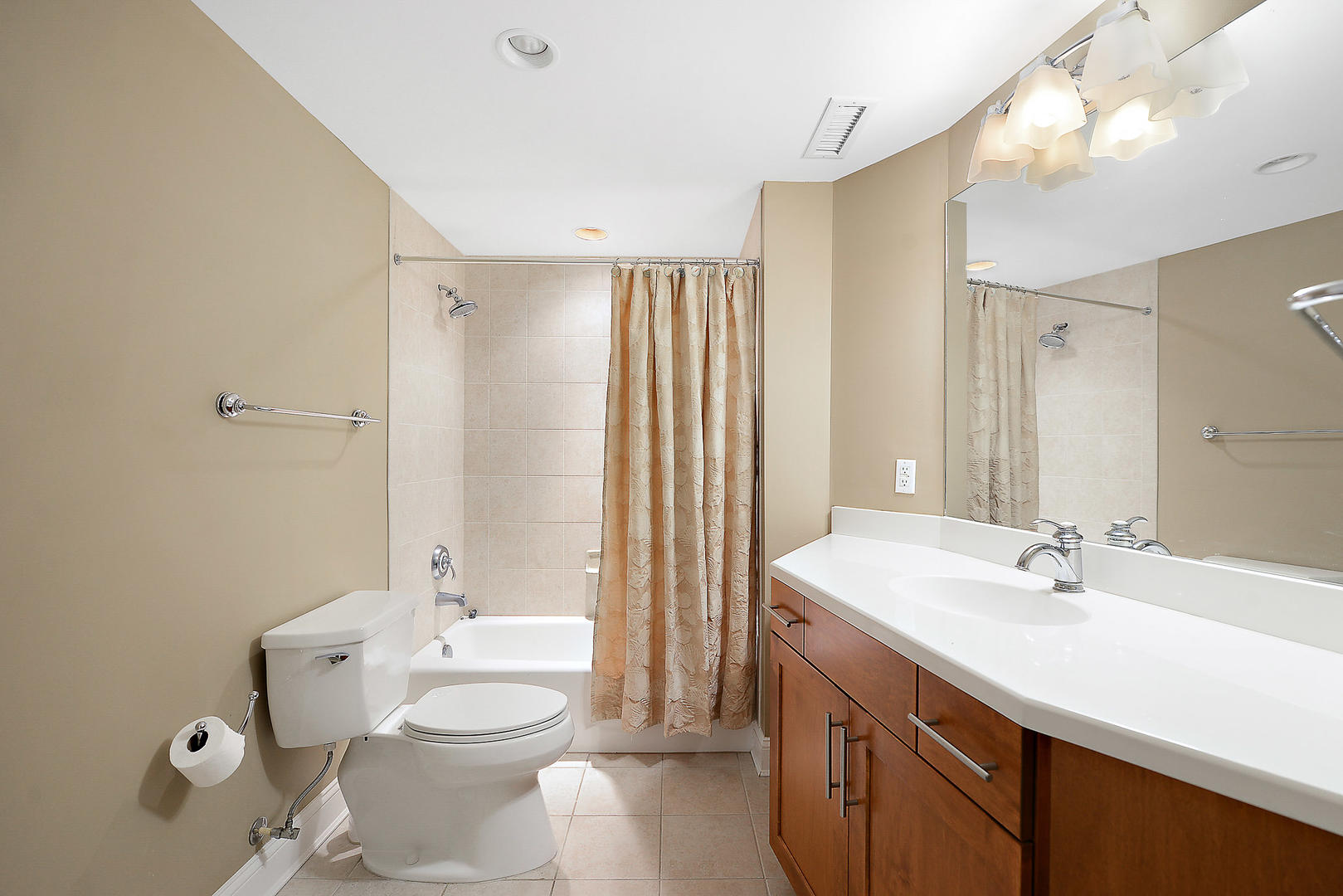 Meridian 504W - Bathroom 3