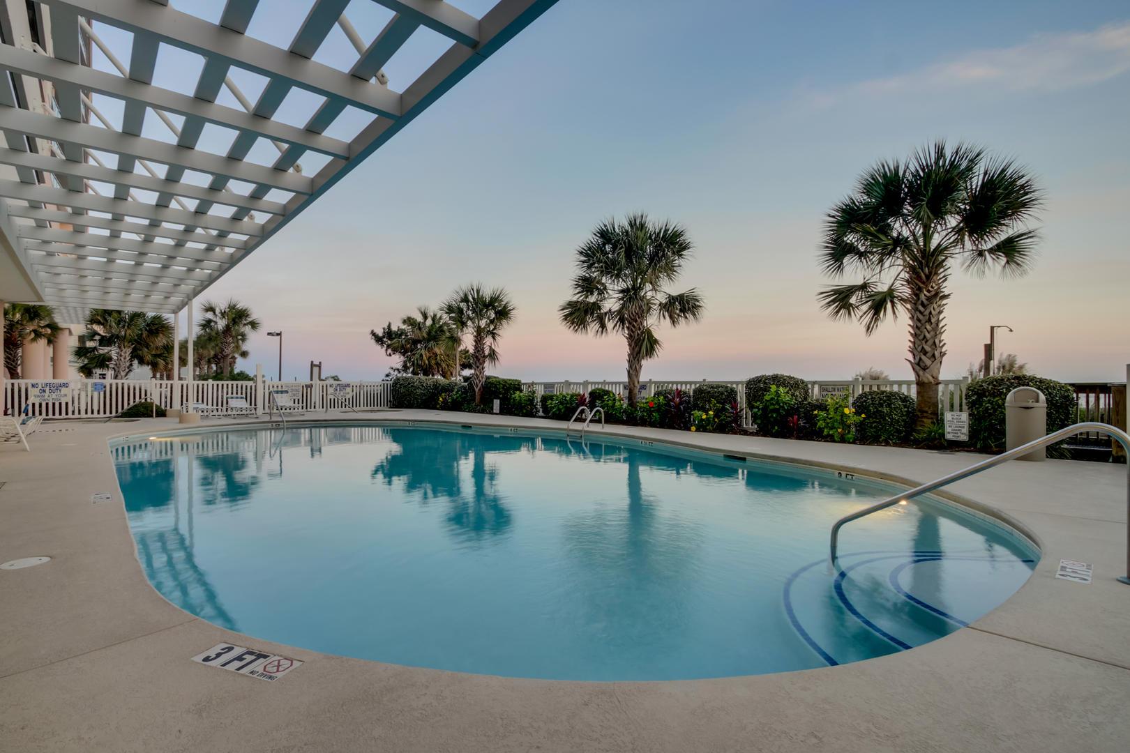 Blue Water Keyes - Outdoor Pool