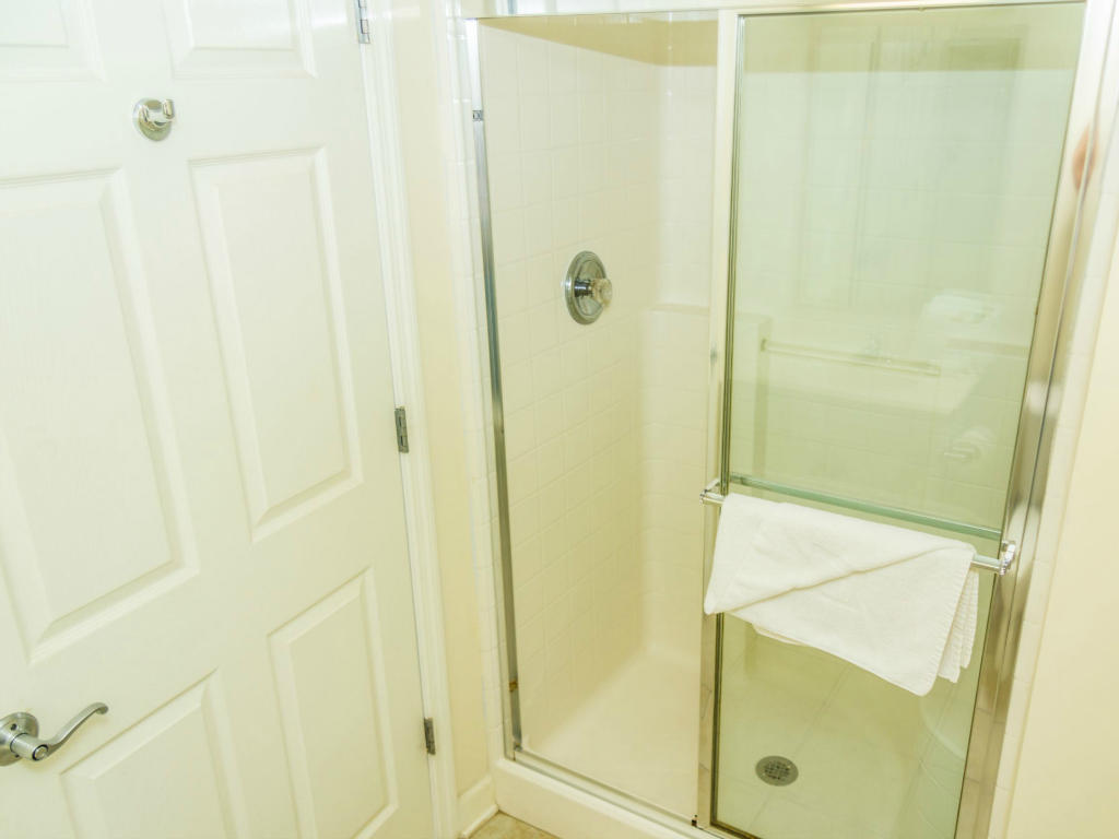 Blue Water Keyes 701 - Shower