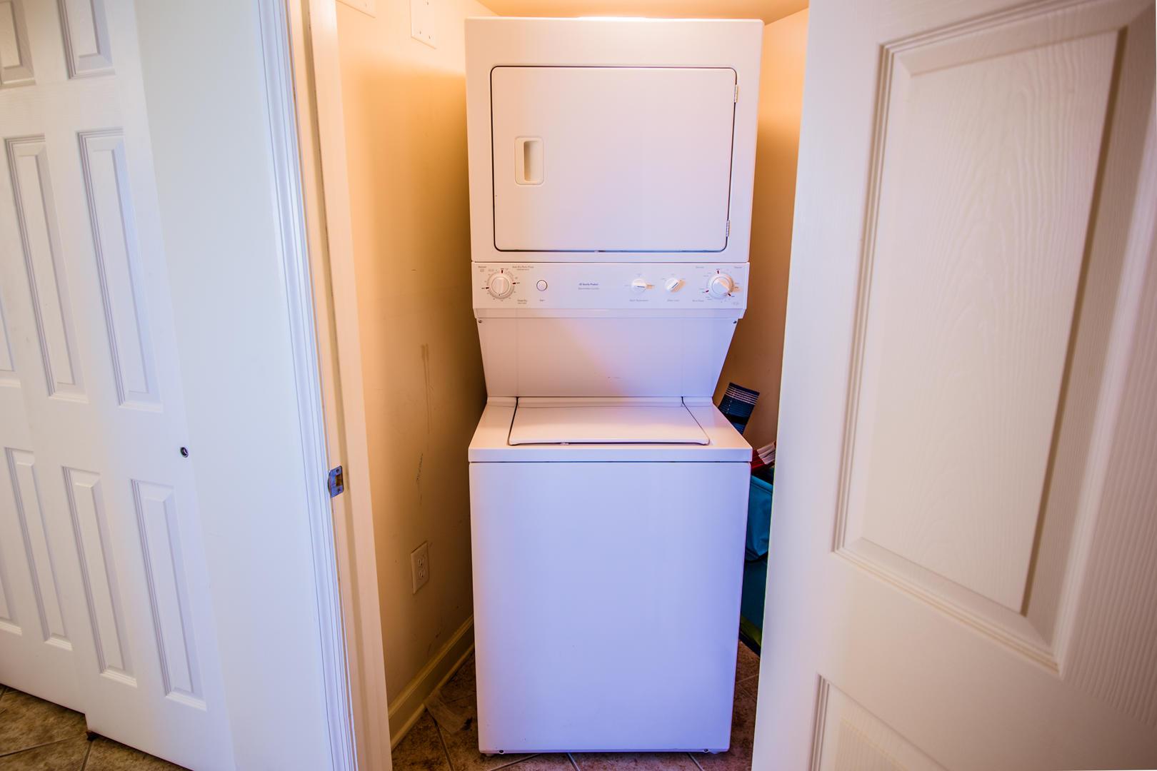Blue Water Keyes 701 - Laundry Room