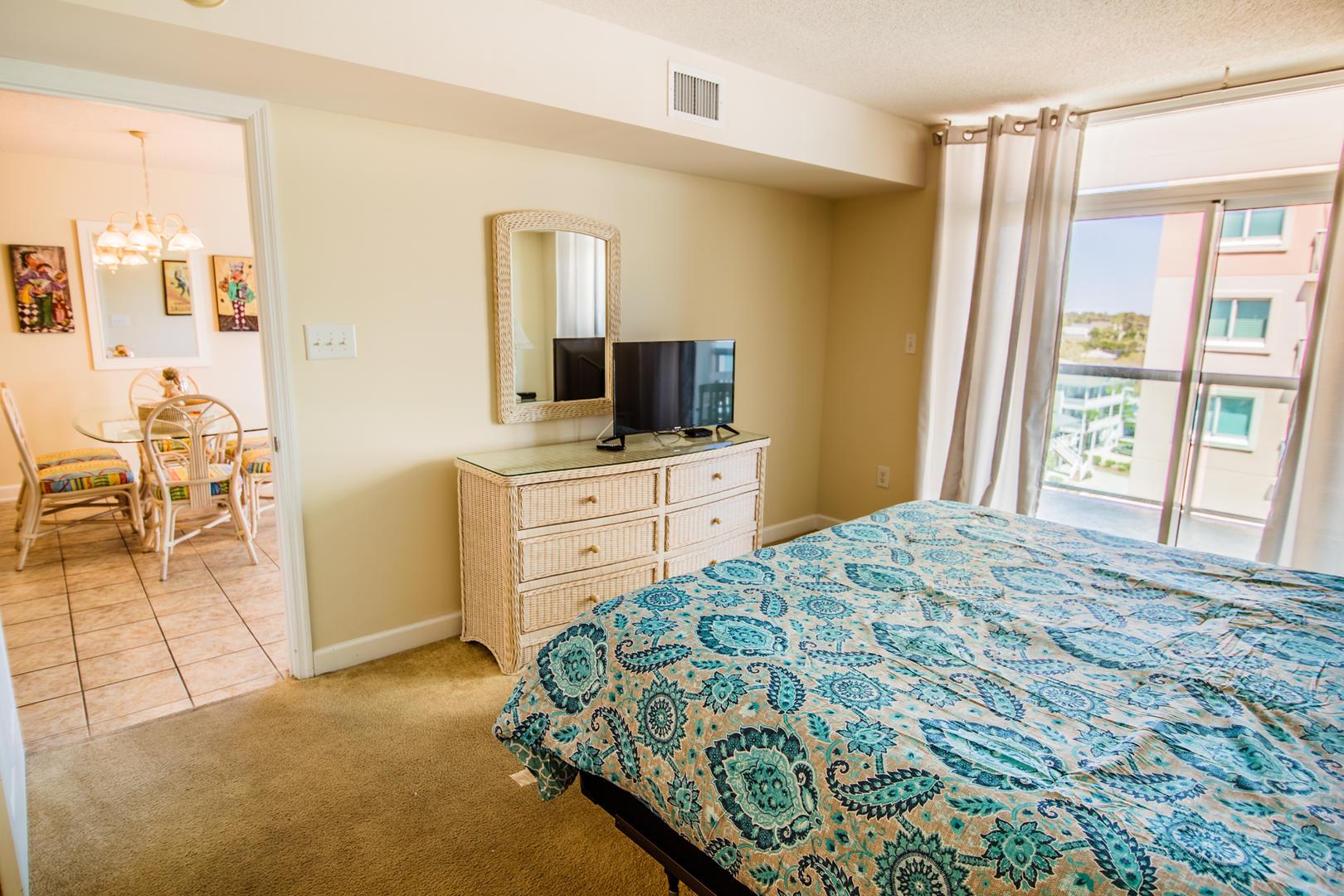 Blue Water Keyes 701 - Master Bedroom