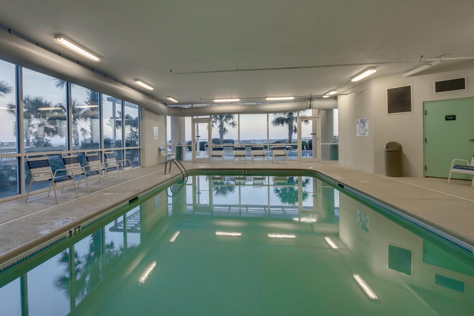 Blue Water Keyes - Indoor Pool
