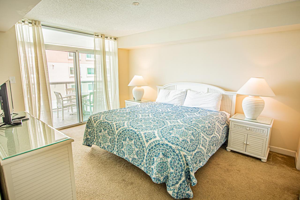 Blue Water Keyes 1101 - Master Bedroom
