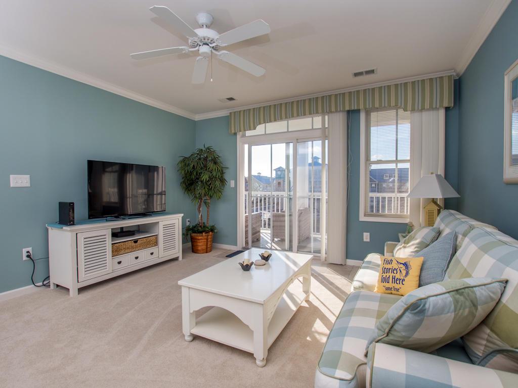 Sunset Island, 6 Fountain Drive East, 3C - Living Room