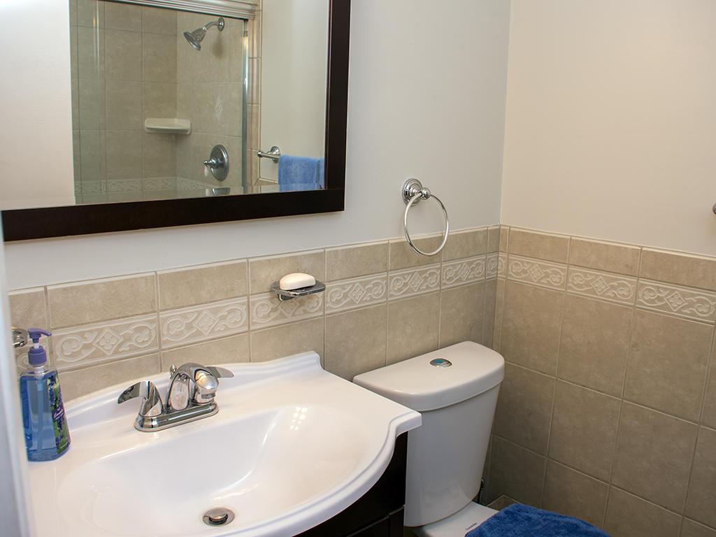 Capri, 1006 - Master Bathroom