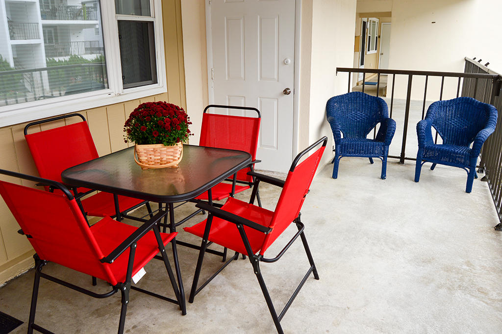 Constellation House N 102 - Front Patio