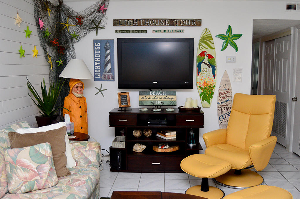 Constellation House N 102 - Living Room
