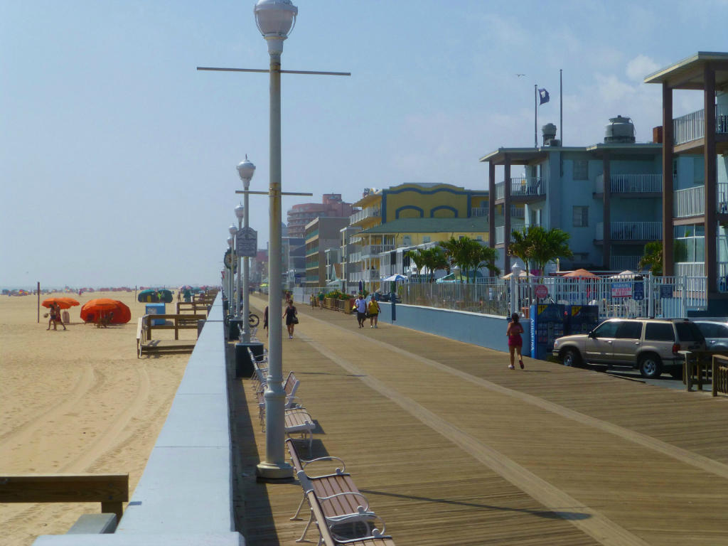 4 Blocks to the Beach and North End of the Boardwalk