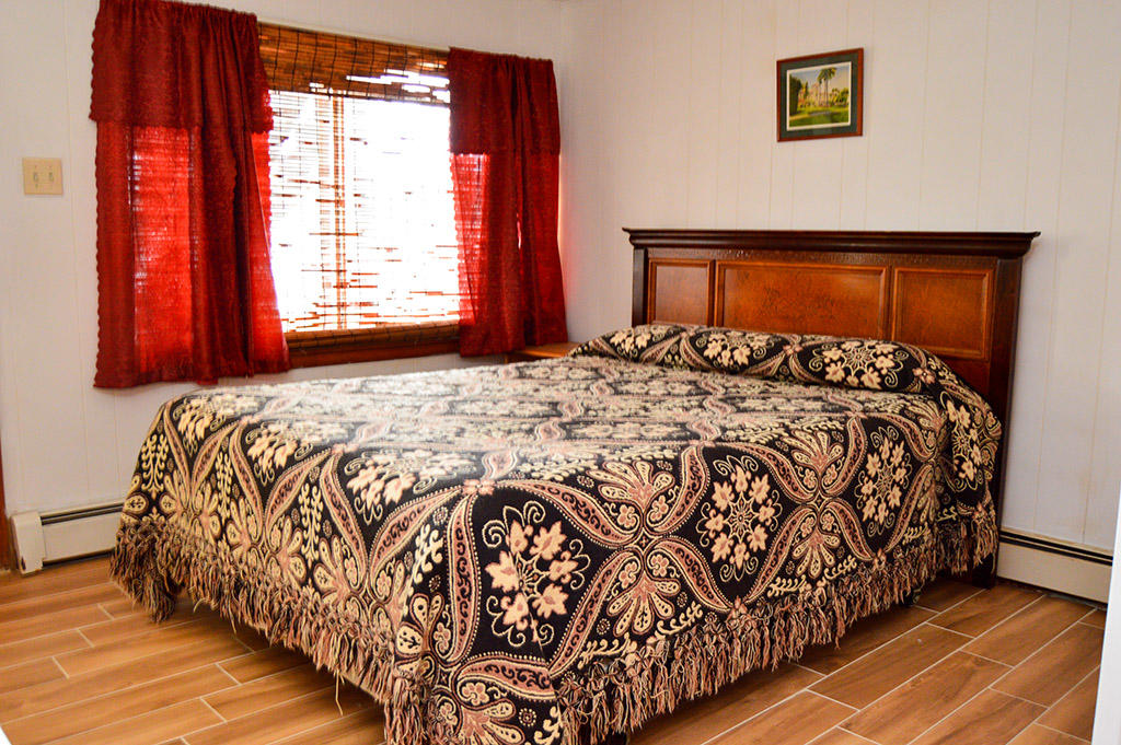 1928 Marlin Drive - Bedroom